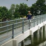 สวนเสรีไทย หรือ สวนน้ำบึงกุ่ม ถนนเสรีไทย