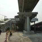 S10 สถานีรถไฟฟ้า BTS สถานีตลาดพลู บริเวณแยกถนนรัชดาภิเษก กับถนนราชพฤภษ์